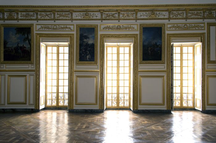 The gallery for louis xvi meme for Salle de bain louis xv versailles