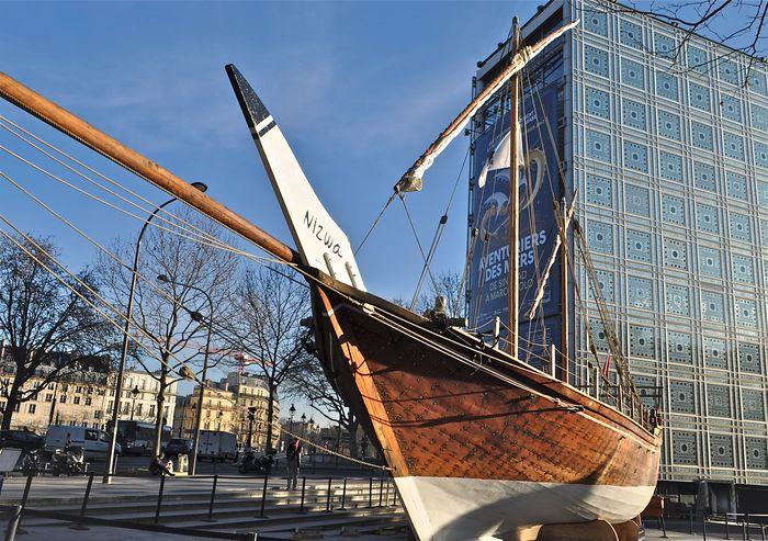 bateaux anciens dans la tempete