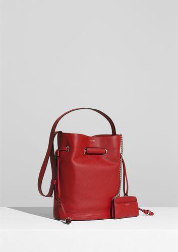 10808389471d Lancel poursuivra son expansion tout au long des années 2000, la marque  lançant régulièrement des nouveautés comme ce « No Bag » en 2001, pochette  plate ...